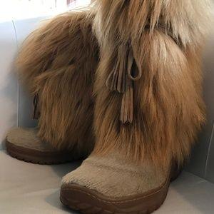 Pajar women's fur boots-EUC